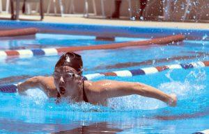 swimmer-583667_1280